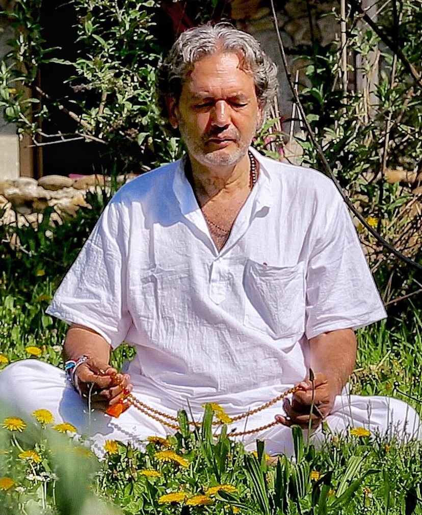 Ernesto Ortiz Akashic records meditating